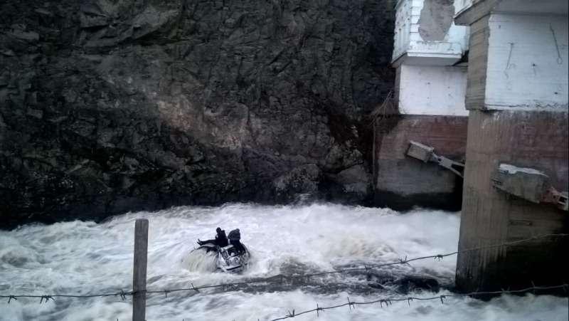 В Свердловской области нетрезвый водитель съехал смоста вреку— фото 745588