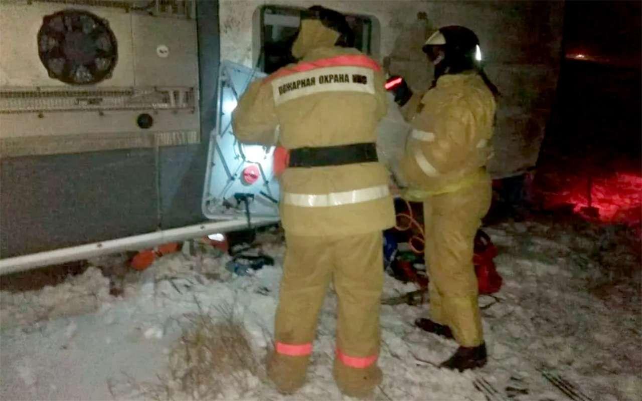 Под Рязанью опрокинулся автобус. Среди пострадавших— дети