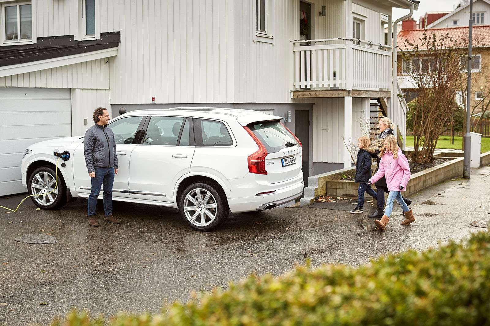 Volvo тестирует беспилотники нашведских семьях— фото 826343