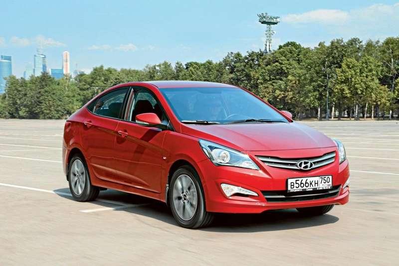 2.Hyundai Solaris 1.6AT Comfort— 660900 руб.