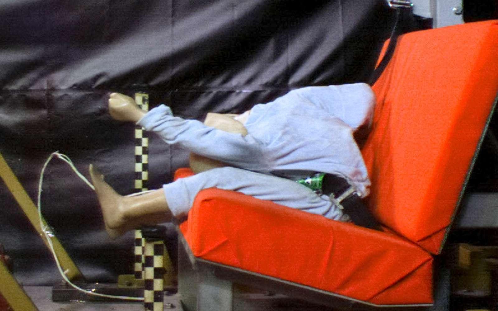 Спасти ребенка: краш-тест кресел ибустеров— фото 740413