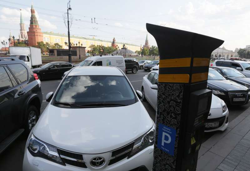 В новогодние праздники парковка вМоскве будет бесплатной
