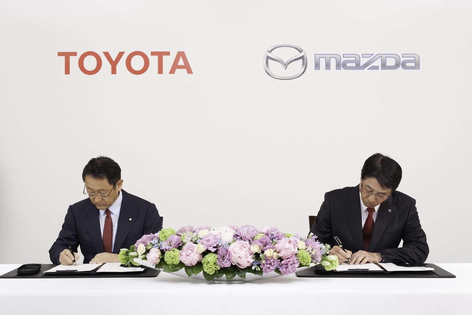 2015-ToyotaMazda-03