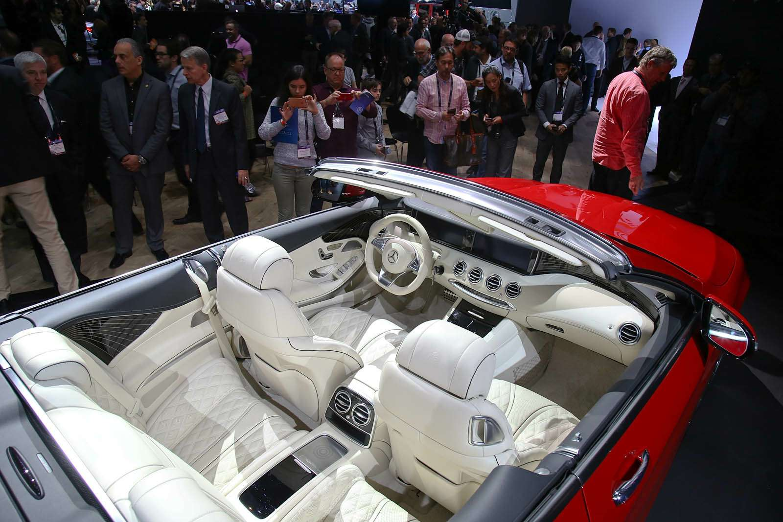 Царская особа: Mercedes-Maybach S650 Cabriolet раскрывает тайны— фото 665257