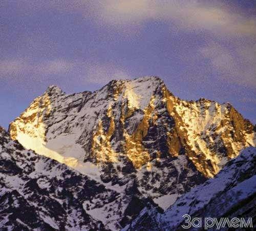 Лыжи накрыше лежат— фото 32329