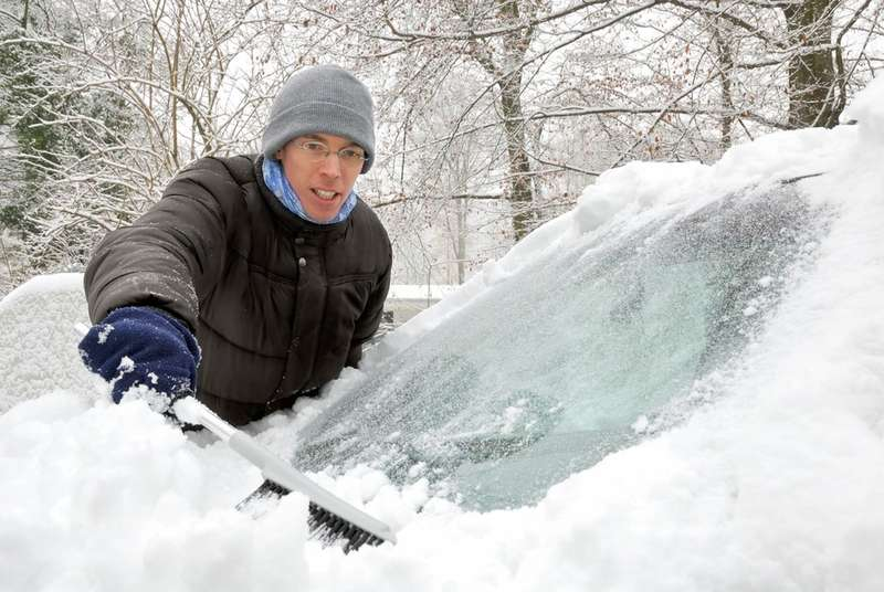 Removing snow from the car