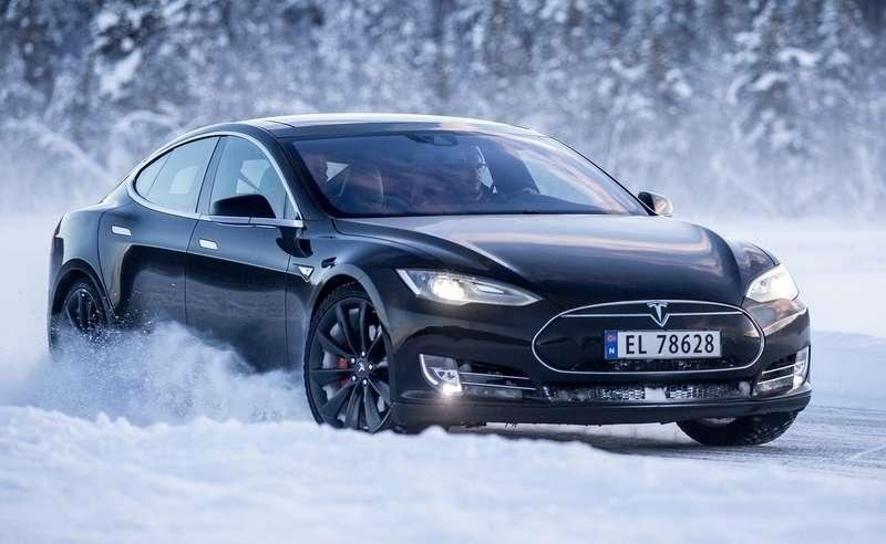 Tesla заплатит норвежцам занедостаточно быстрые машины