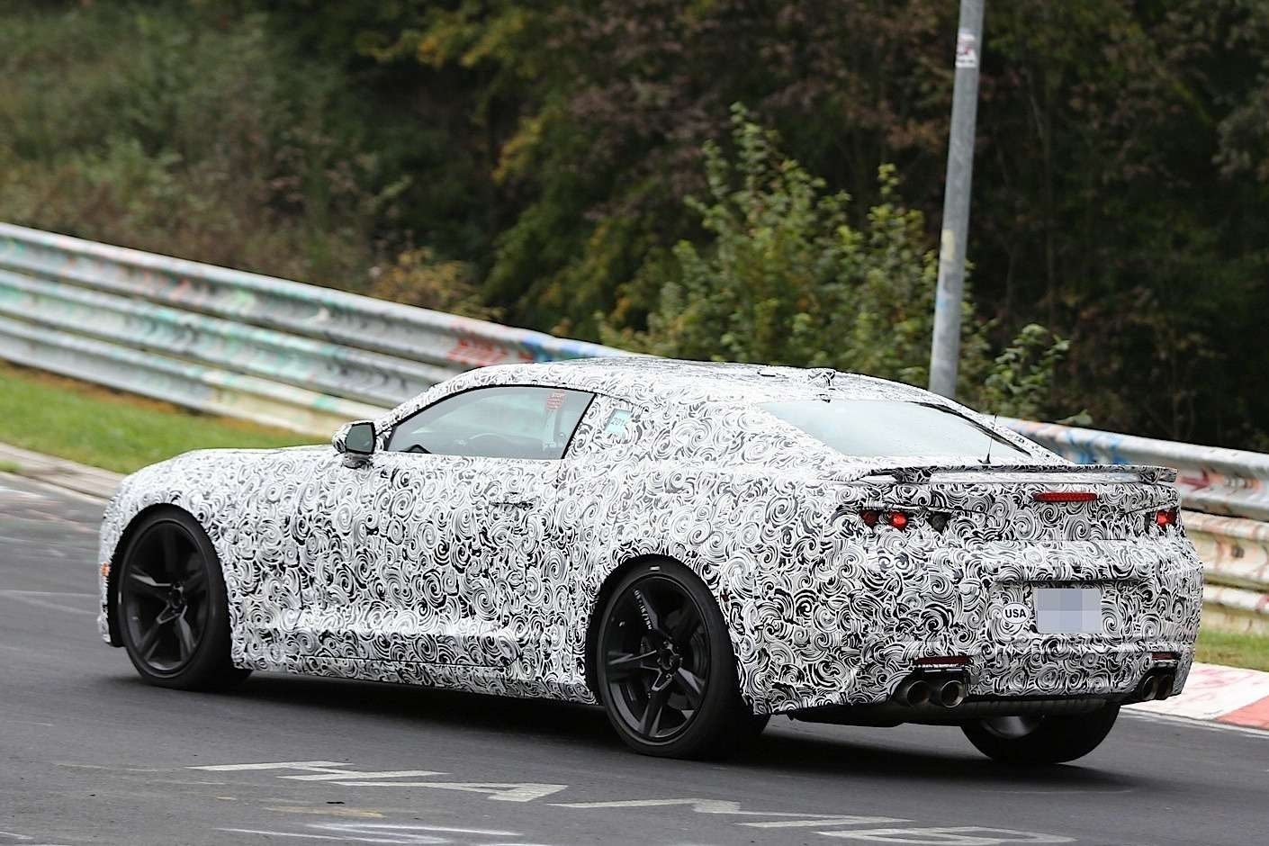 2016-chevrolet-camaro-exposed-its-got-a-butch-front-fascia-design-video-photo-gallery_6