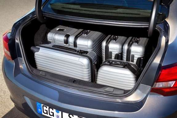 Opel Astra Sedan luggage compartment
