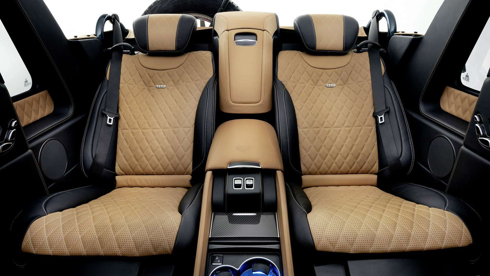 Внедорожник Maybach продали за1,2 миллиона евро. Икупил его нешейх!— фото 803357