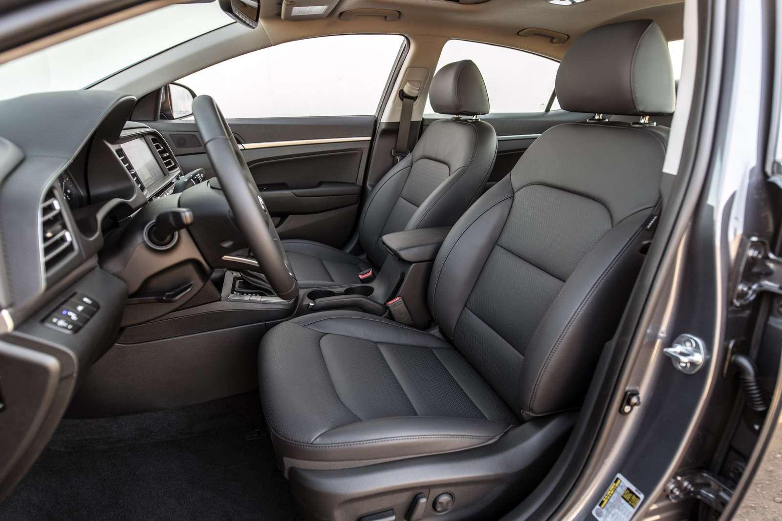 Обновленная Hyundai Elantra: треугольные фары иулучшенная безопасность— фото 898233