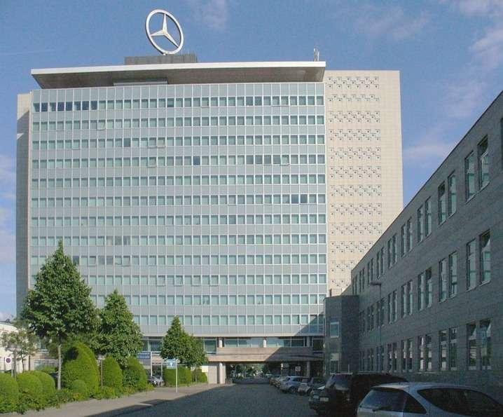 Mercedes стал вторым впремиум-сегменте, опередив Audi