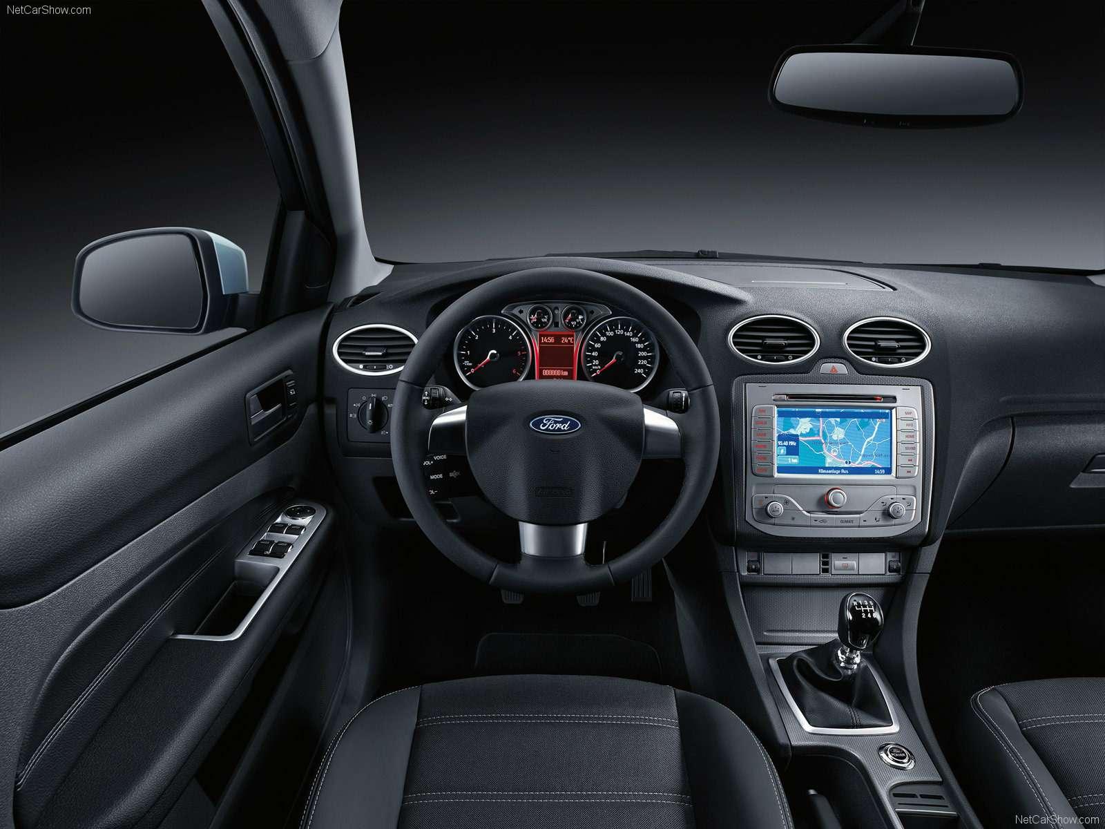 Ford-Focus_European_Version_2008_1600x1200_wallpaper_19