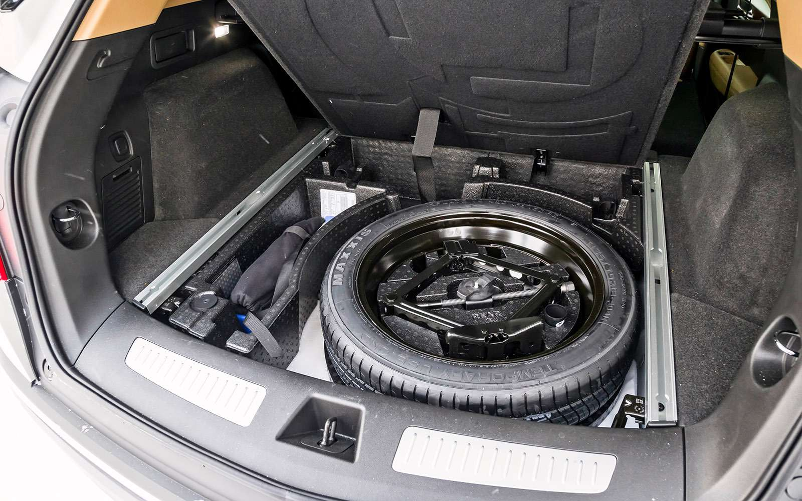 Тест премиум-кроссоверов: Lexus RX350, Cadillac XT5и Jaguar F-Pace— фото 721808