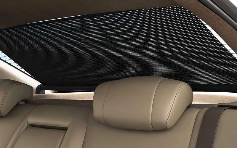 Как занавесить окна в машине
