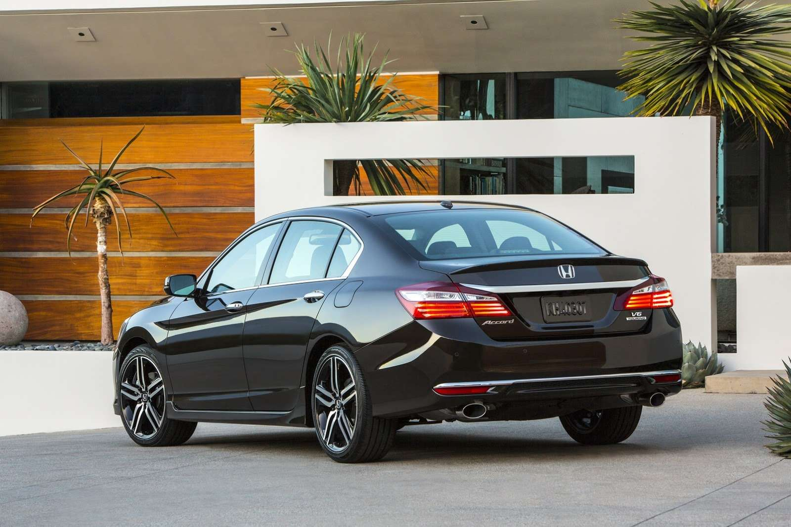 2016-Honda-Accord-2