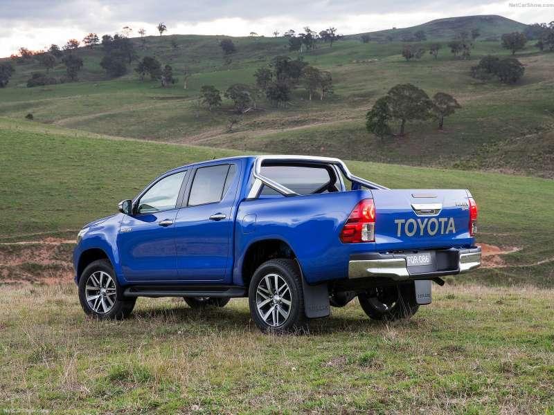 Toyota Hilux, 2015г.