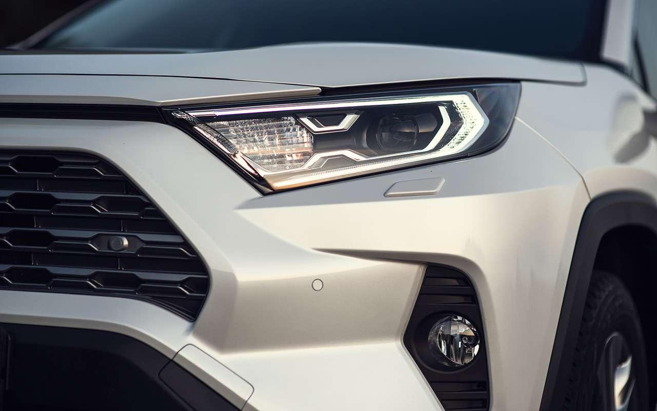 Первый тест-драйв Toyota RAV4 нового поколения— фото 1006010