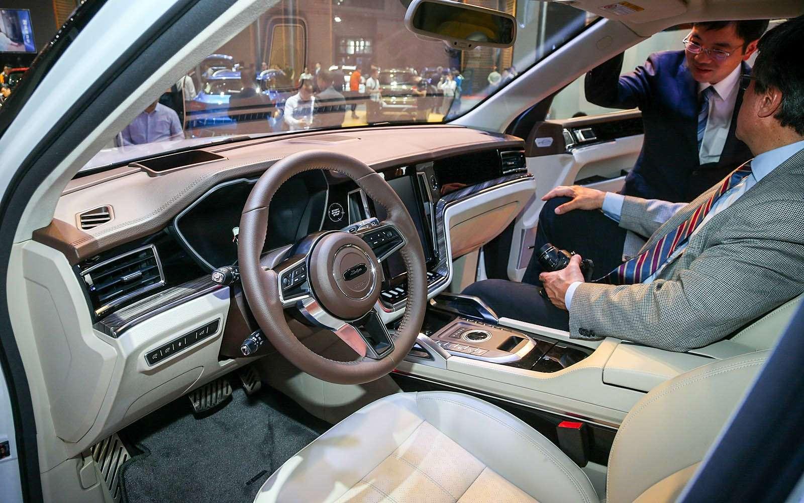 Новый Tiggo 5, будущая Camry идругие: онлайн-трансляция сШанхайского автосалона— фото 739522