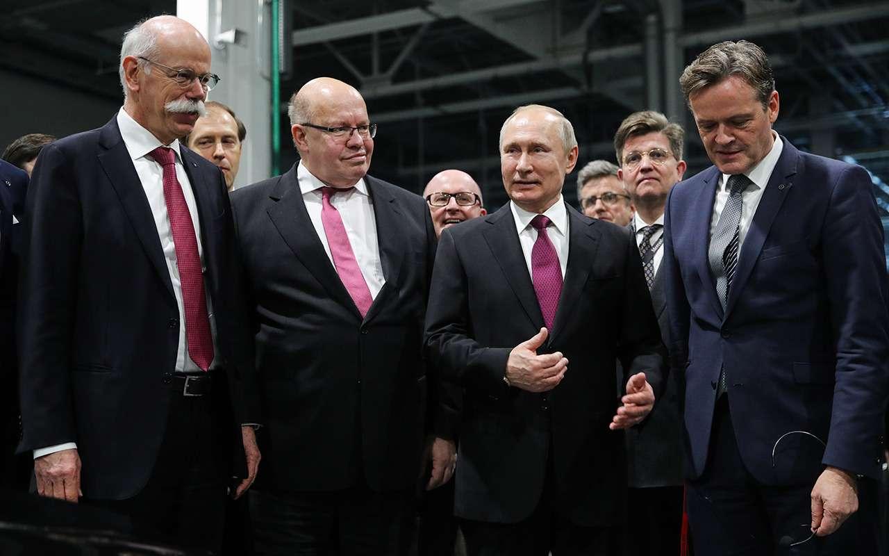 Путин открыл российский завод Mercedes-Benz— фото 963023