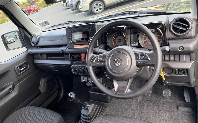 Suzuki Jimny превратили впикап