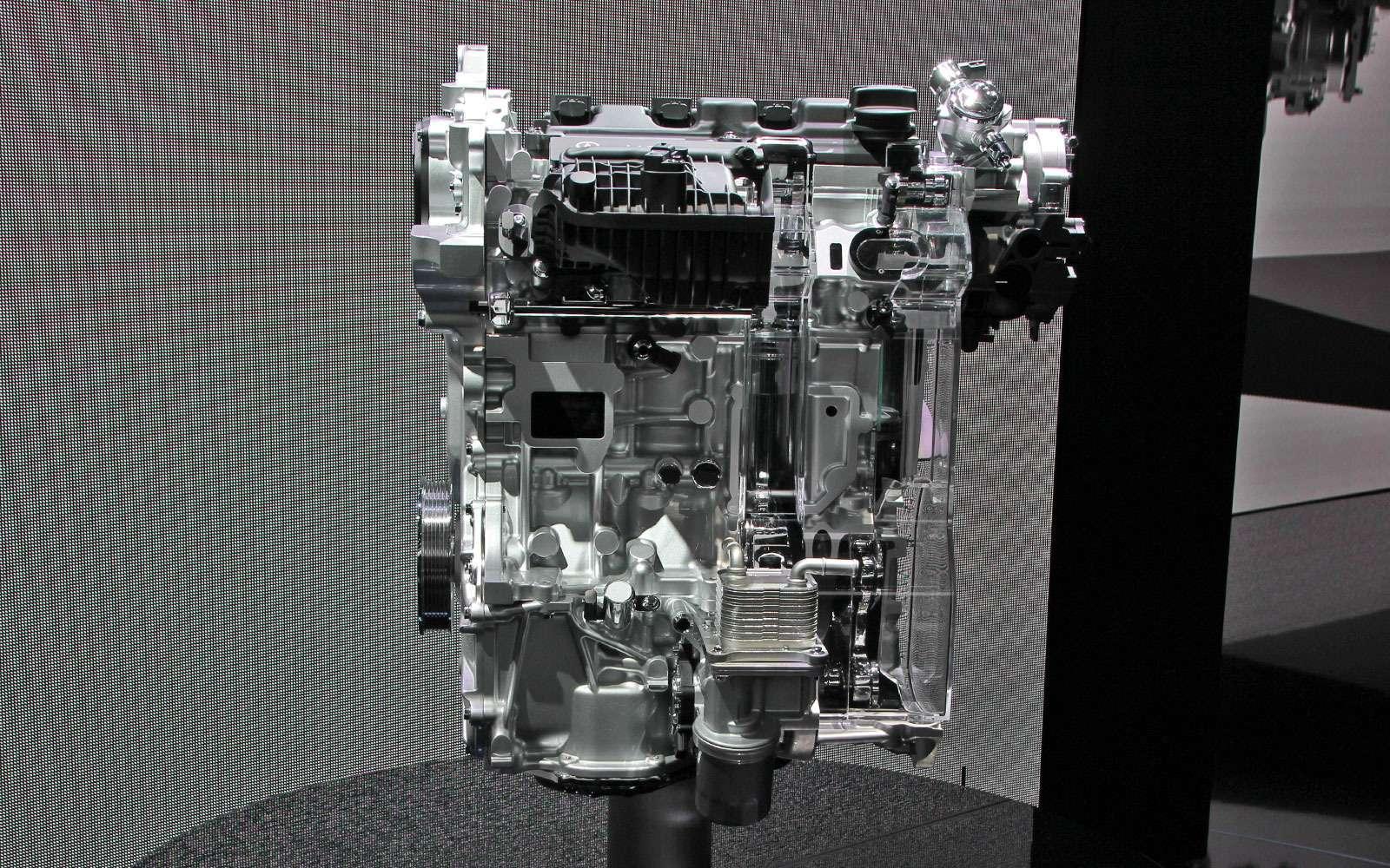 Шок-концепты: Infiniti показала кроссовер иреволюционный двигатель— фото 642359