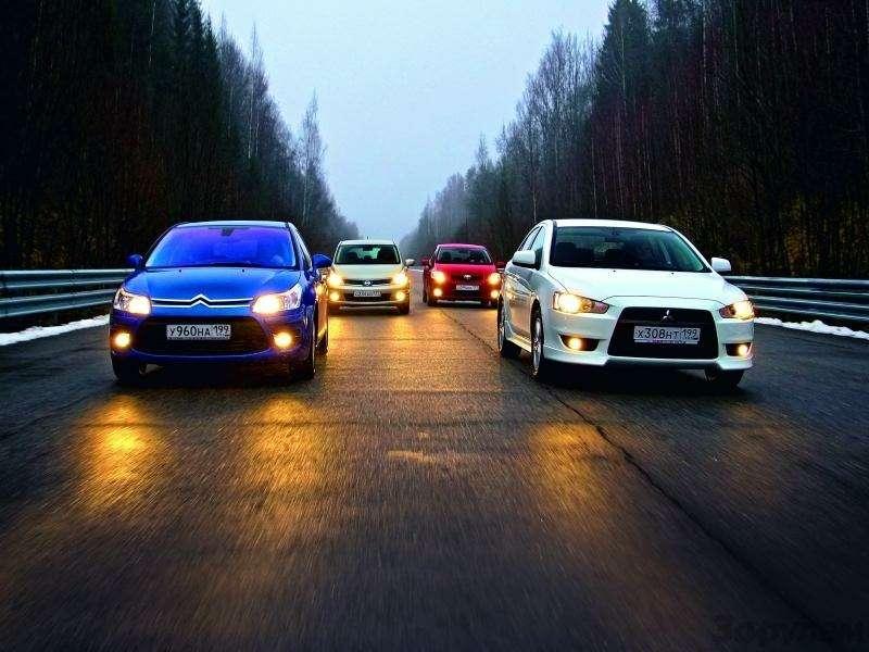 Toyota Auris, Mitsubishi Lancer, Nissan Tiida, Citroen C4: Имею желание…— фото 92593
