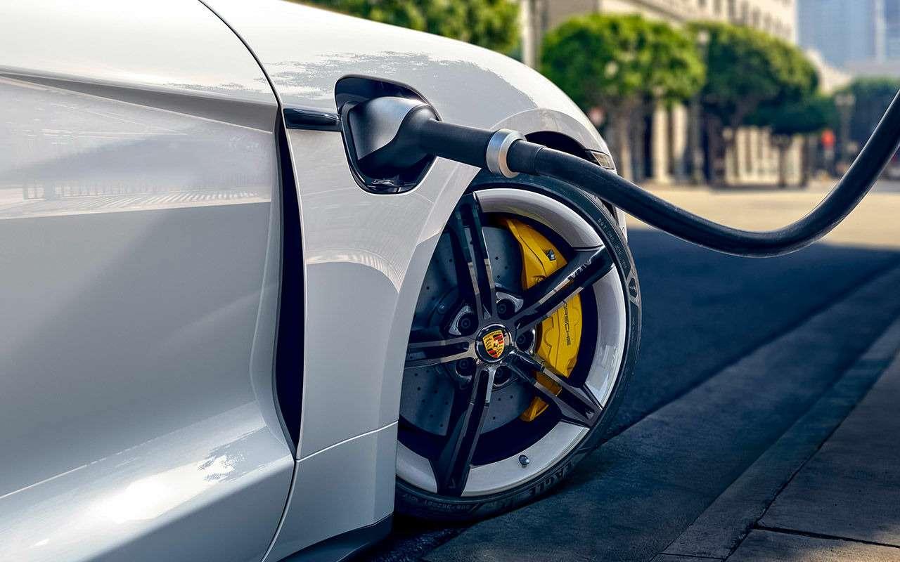 Самый мощный из серийных Porsche: первый тест-драйв