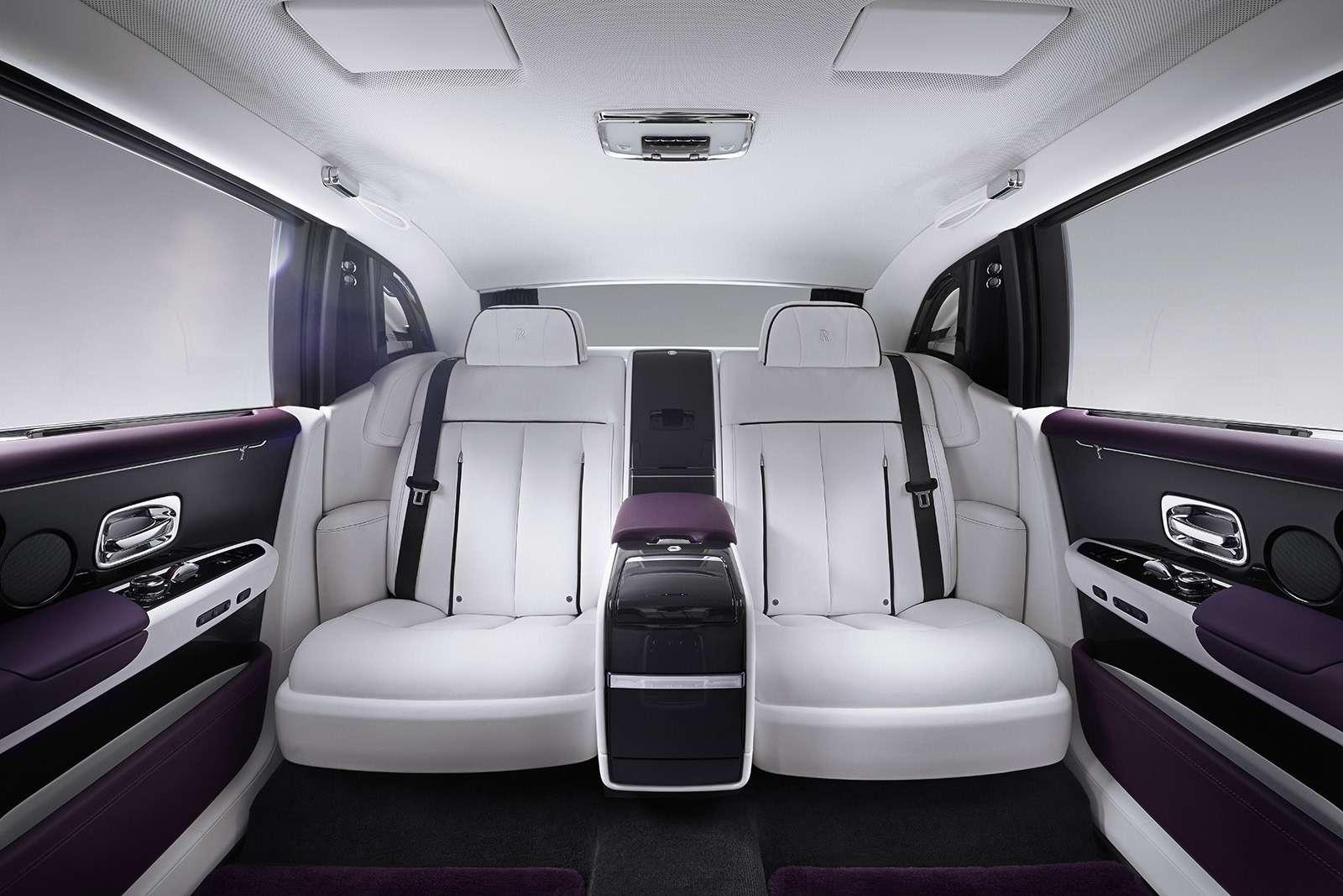 Rolls-Royce Phantom VIII: консервативен снаружи, технологичен внутри— фото 778875