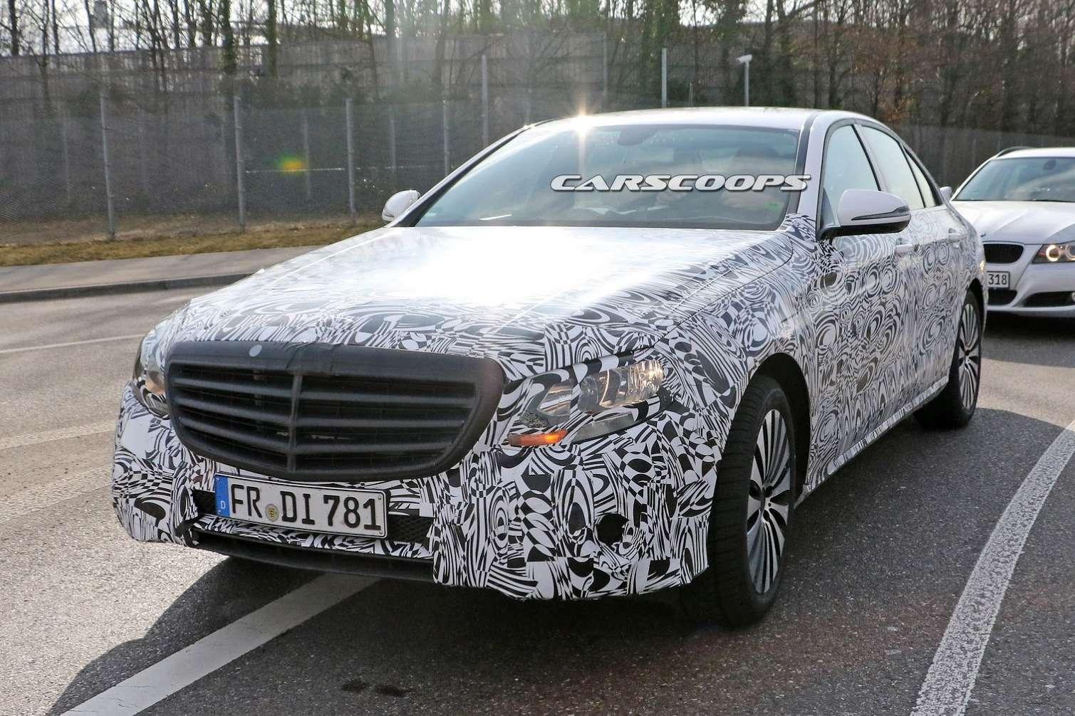 2017-Mercedes-E-Class-Sedan1