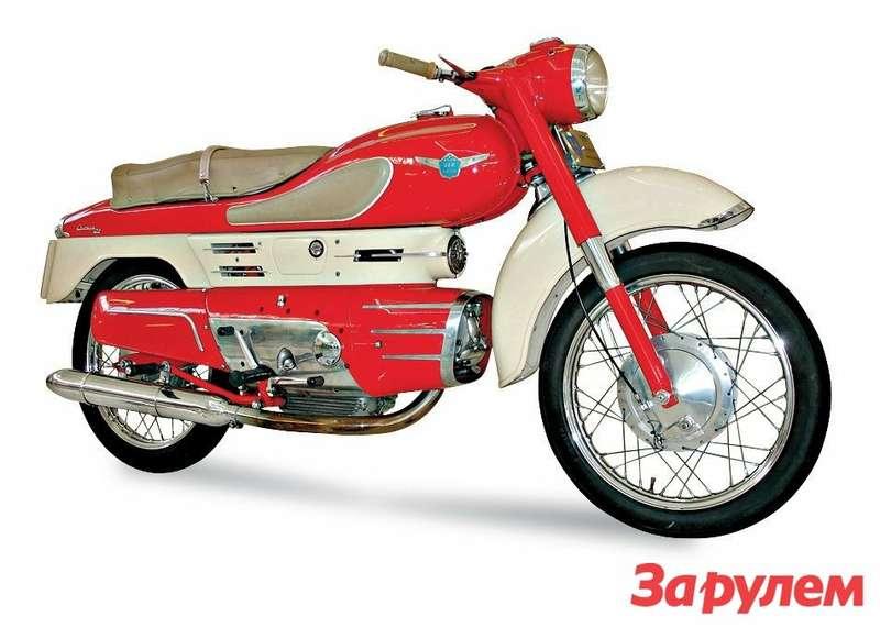 Один изсамых интересных капотированных мотоциклов послевоенной поры— 250-кубовая Aermacchi Chimera 1956 года.