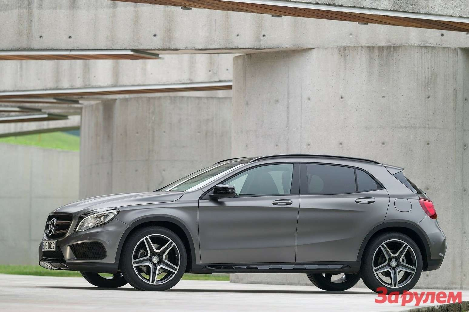 Mercedes Benz GLA Class 2015 1600x1200 wallpaper 0d