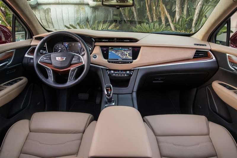 2017-Cadillac-XT5-032