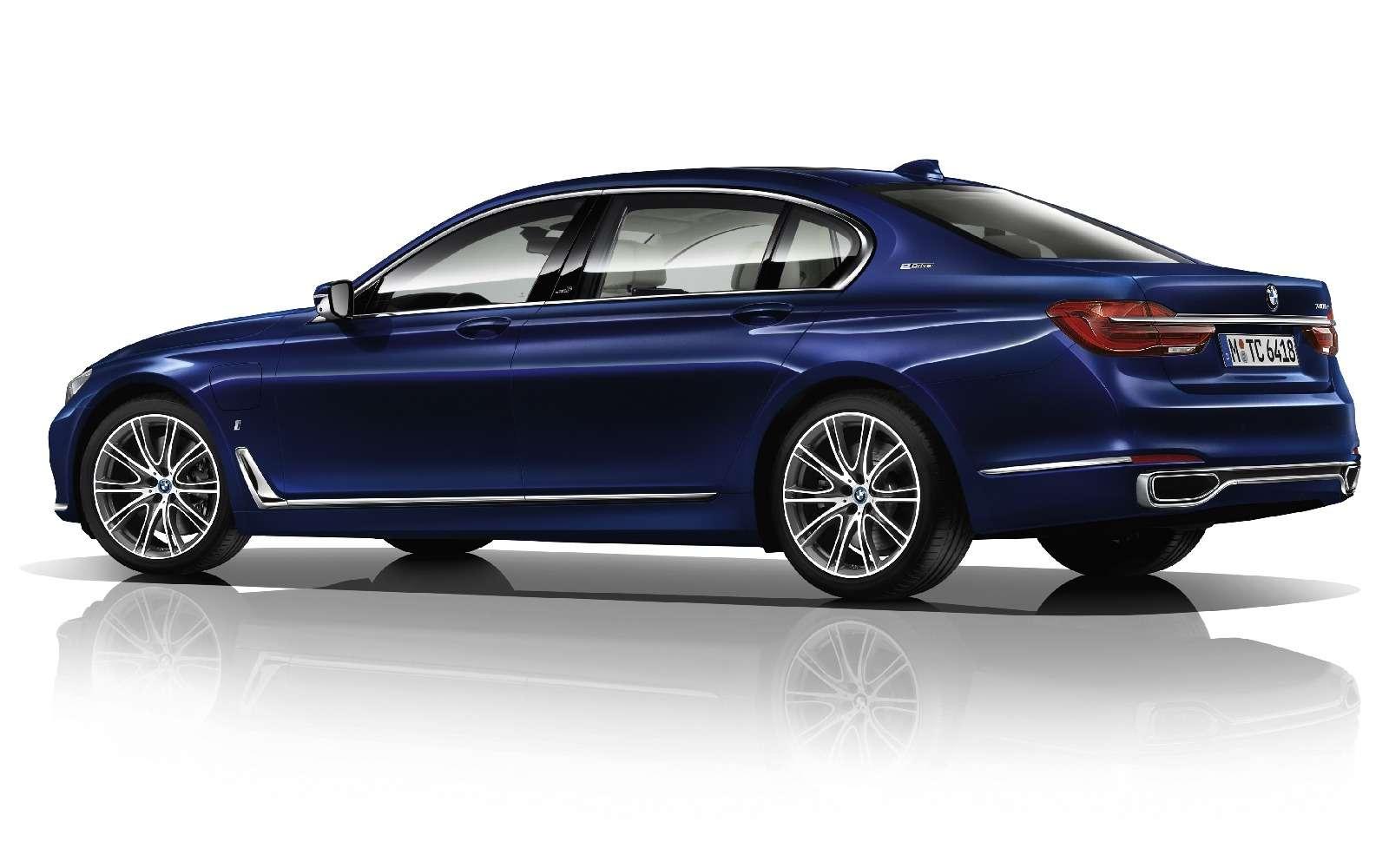 BMWобъявила остарте продаж вРоссии двух моделей линейки iPerformance— фото 596676