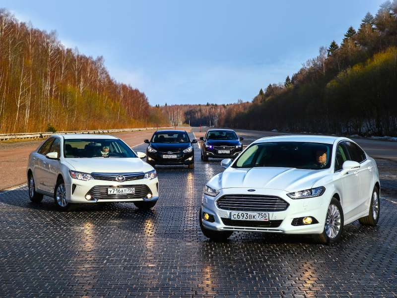 00Mondeo, Camry, Peugeot 508, i-40_zr 06_15