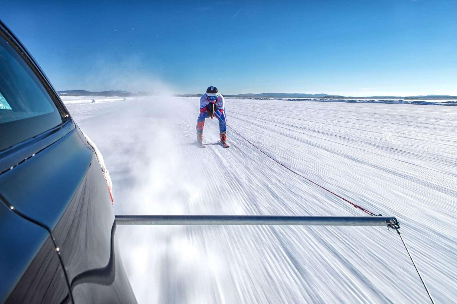 Jaguar установил мировой рекорд... поразгону лыжника— фото 801088