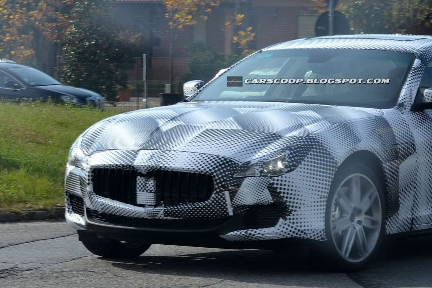 New Maserati Quattroporte test prototype front end 1_no_copyright