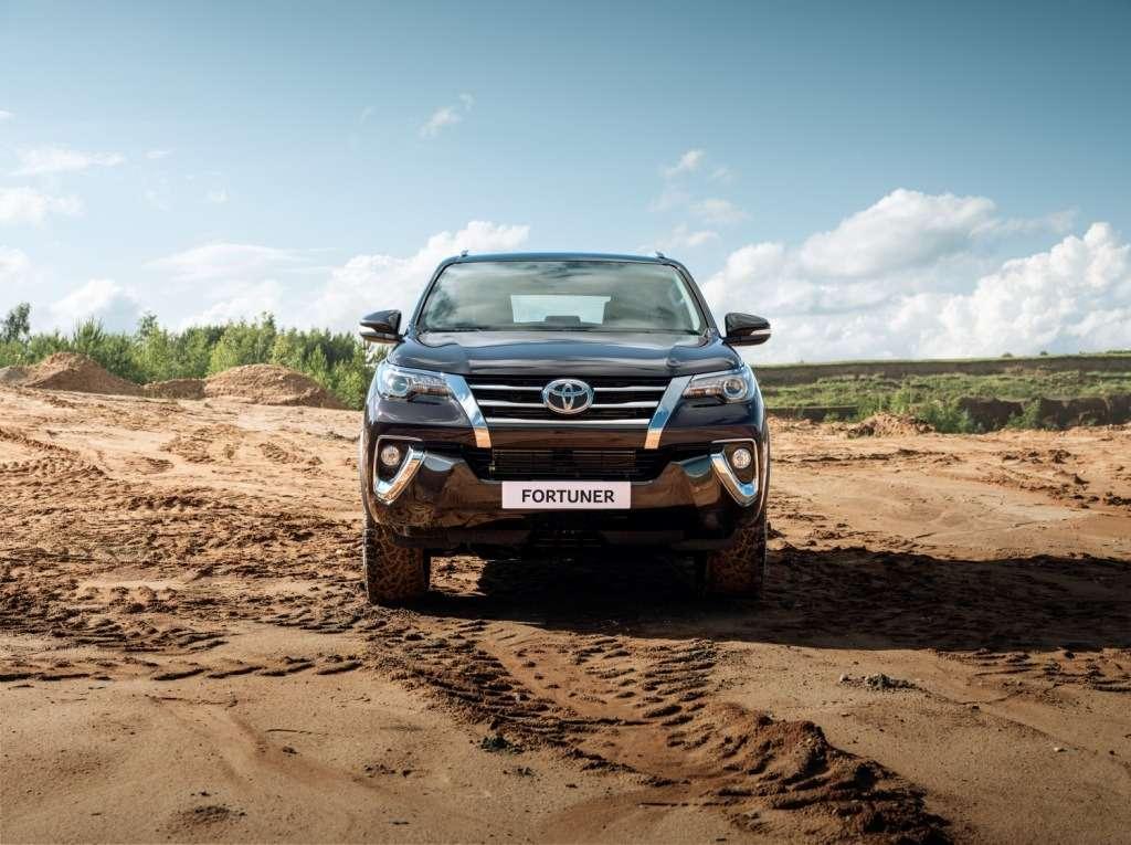 Toyota Fortuner вРоссии будет доступен только стурбодизелем— фото 786726