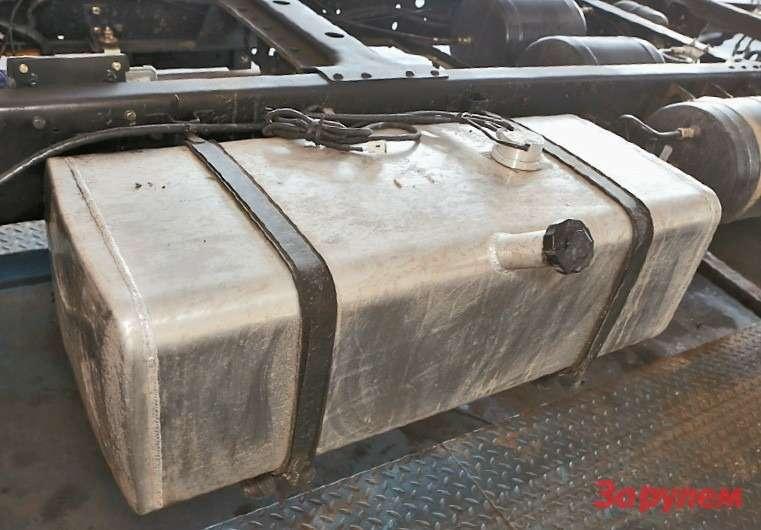 Намодель BJ1061 ставят алюминиевый 120-литровый топливный бак
