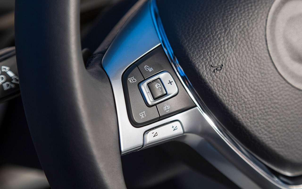 VWTouareg дляРоссии: три мотора имного опций— фото 855579
