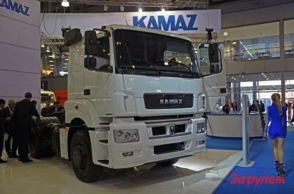 """Акции КАМАЗа, предназначенные Daimler, хотят приобрести ВЭБ и""""Ростех"""""""