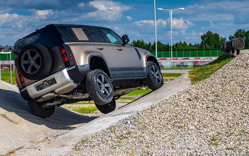 Новый Land Rover Defender: первый тест вРоссии