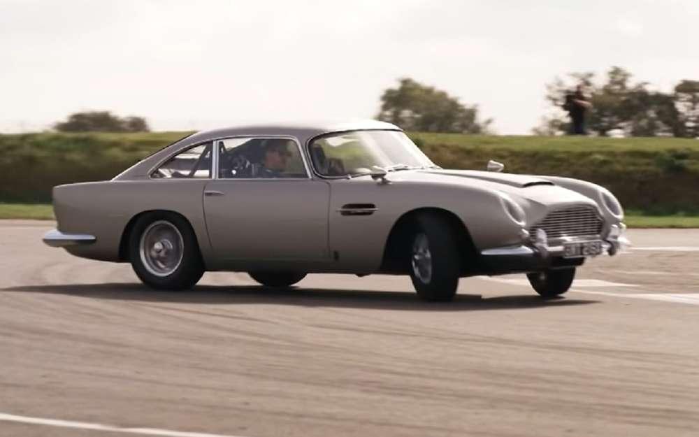 Гонщики Формулы-1 дрифтят наавтомобиле Джеймса Бонда (видео)