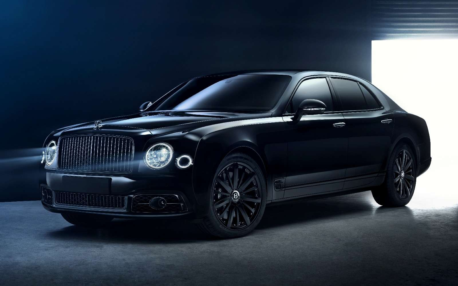 Тьма сгущается: Bentley Mulsanne получил еще одну «зловещую» версию— фото 671550