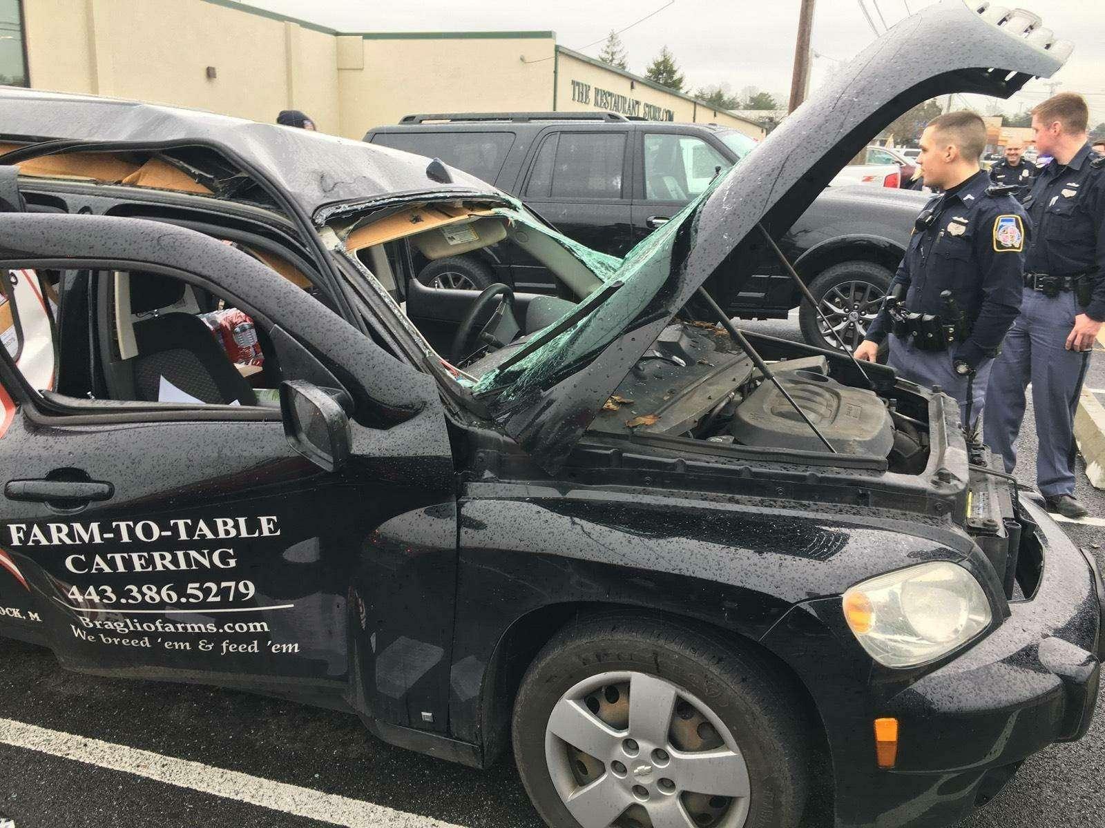 Неделайте так: водитель распылил вмашине дезодорант изакурил