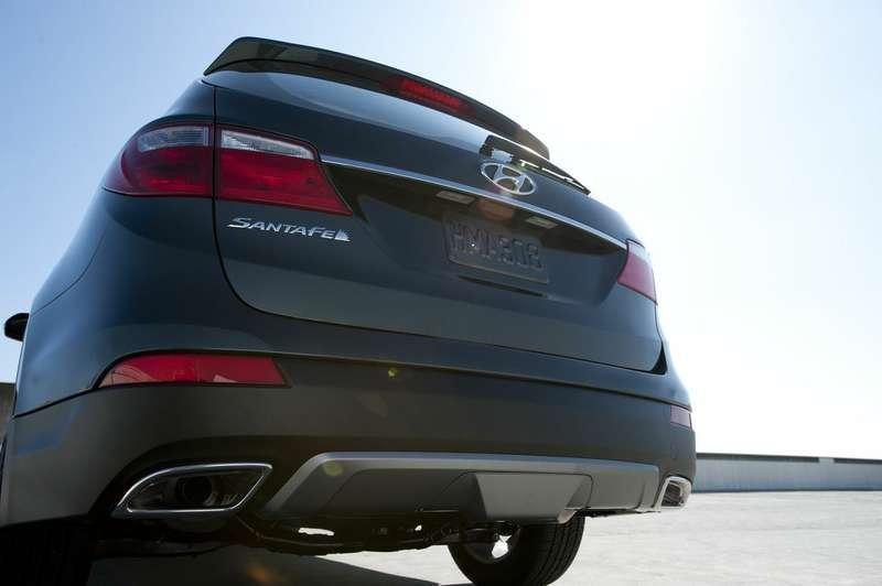 Hyundai_Santa_Fe_ Grand_1_no_copyright