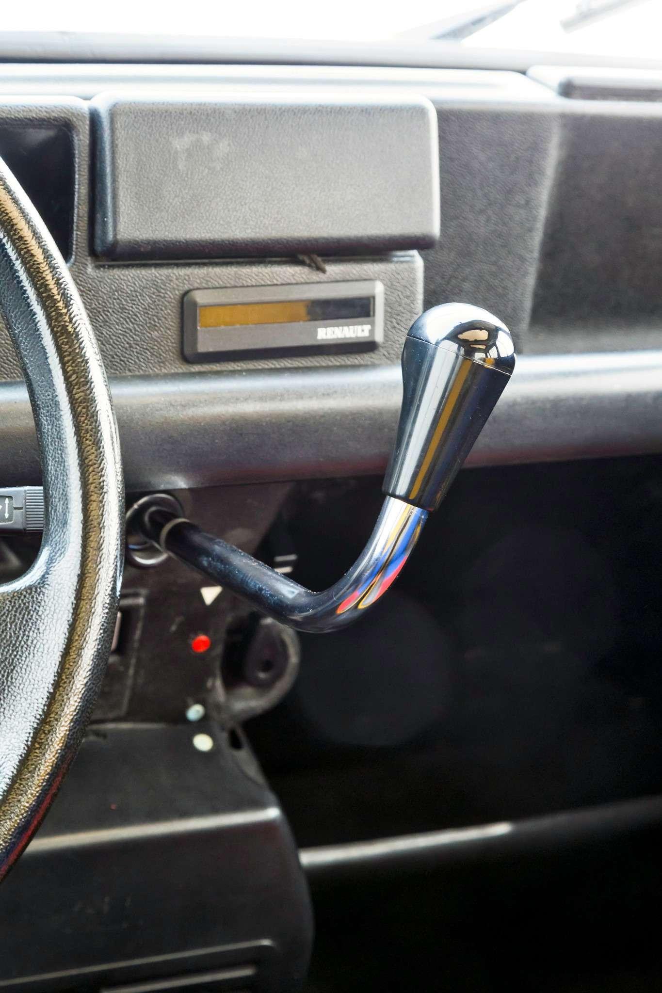 27-Renault-old_zr-01_16