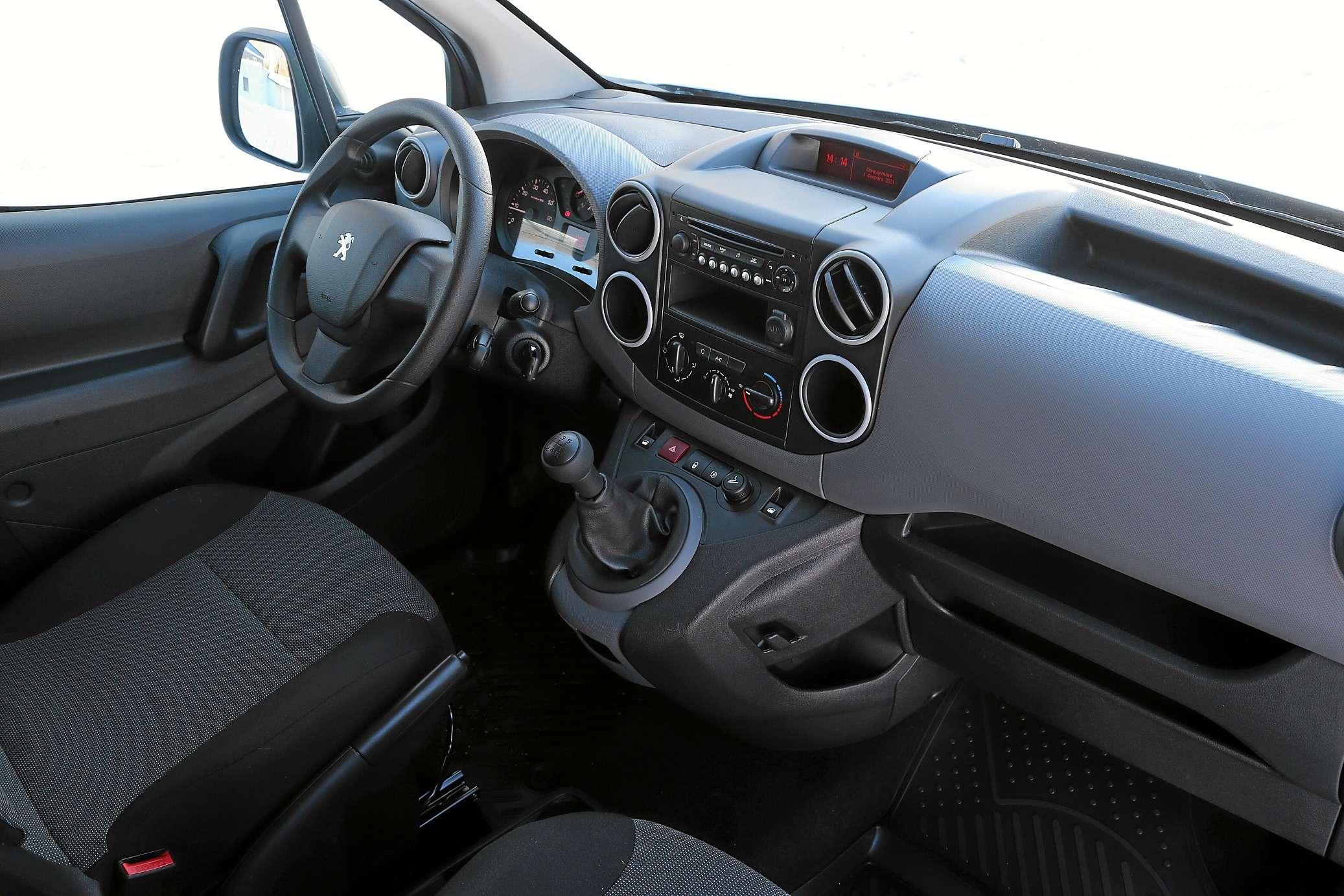 Peugeot Partner российской сборки: 5плюсов и2минуса— фото 1224233