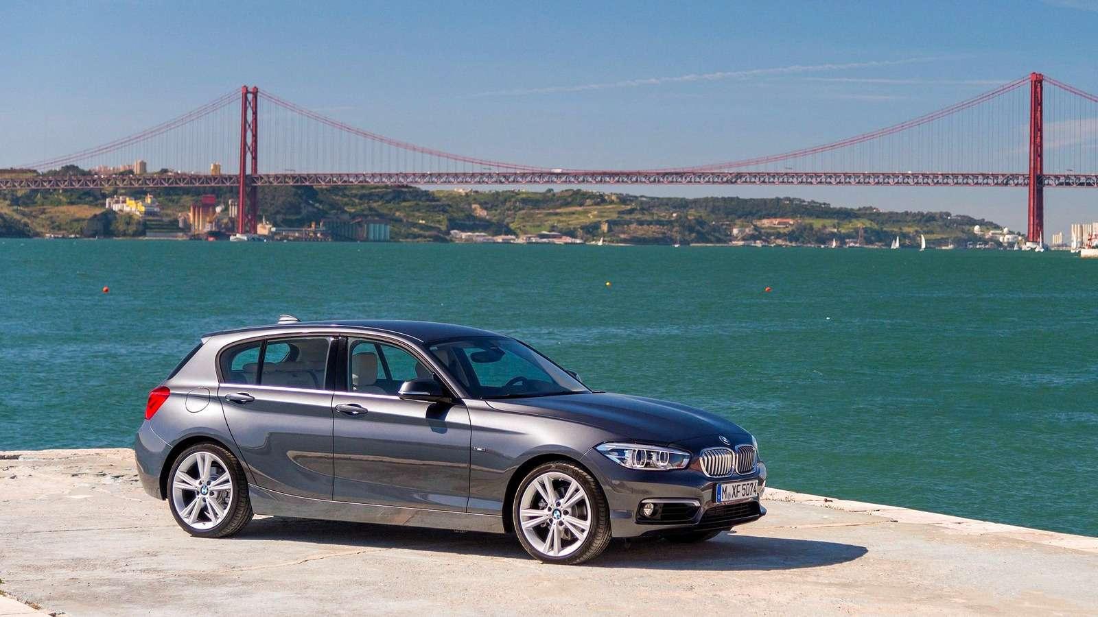 2016-BMW-1-Series-Urban-Line-Wallpaper
