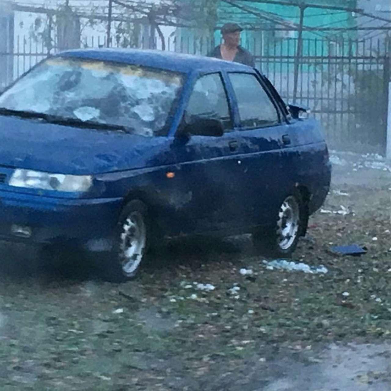Разгул стихии: мощным градом побило сотни машин вКраснодарском крае— фото 883559